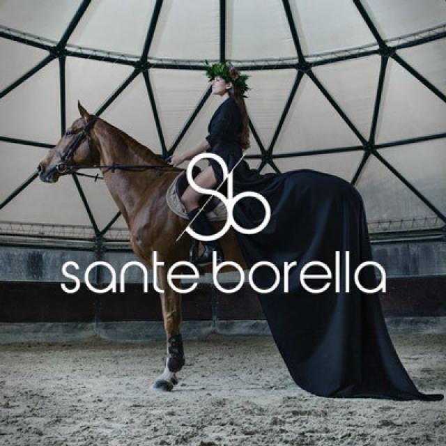Smart santeborella donna a cavallo e logo